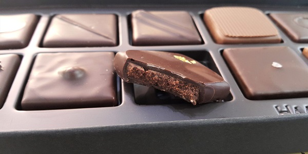 مرکز خرید رسمی شکلات.
