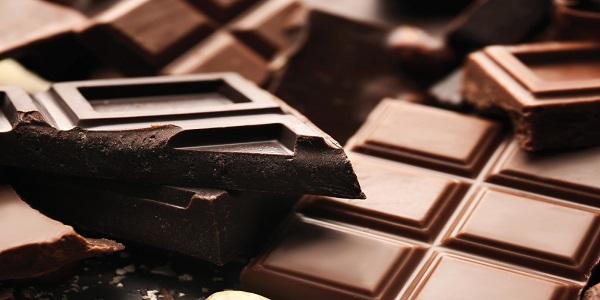 خرید شکلات به قیمت درب کارخانه