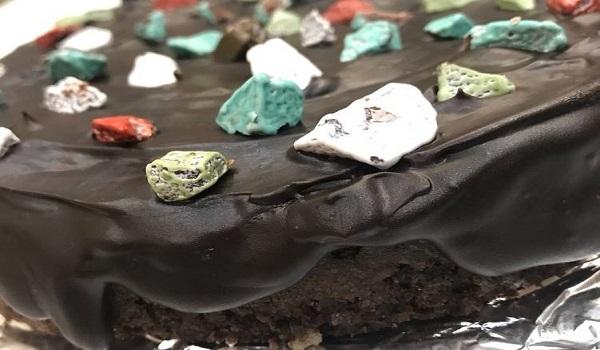 تولید شکلات سنگی