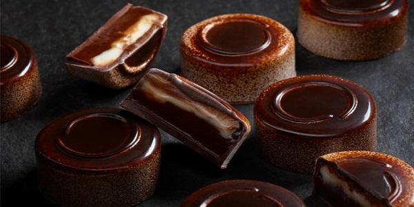 فروش شکلات به عمان